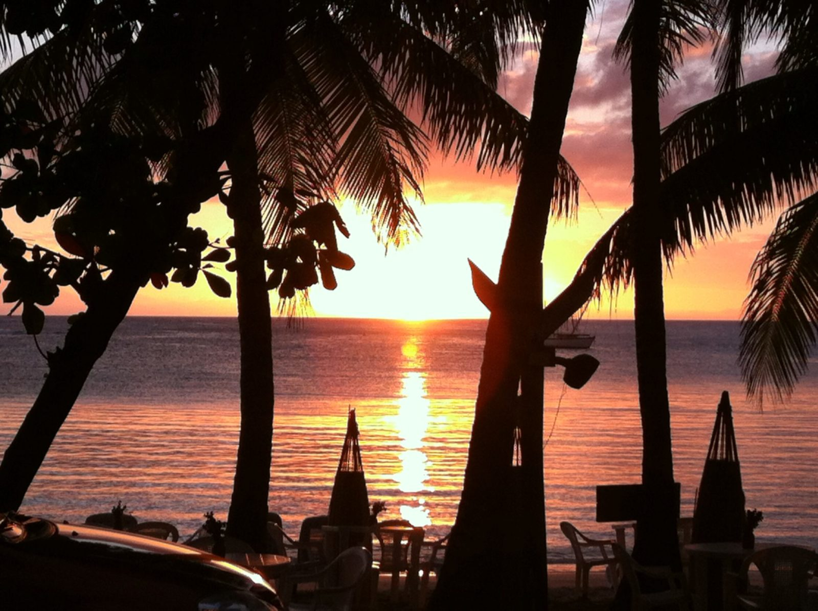 Sunset in Half Moon Bay Roatan